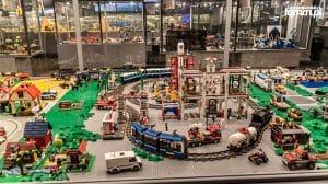 LEGO gigants