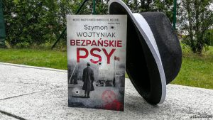 Bezpańskie psy Szymon Wojtyniak