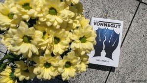 Galapagos Kurt Vonnegut // zdobycze sierpnia 2020